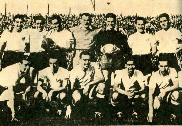 Plattko, en haut , au centre de son équipe de Colo-Colo