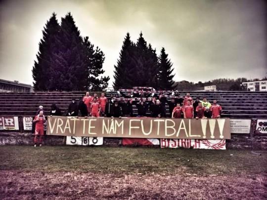 © Futbal pre Považskú