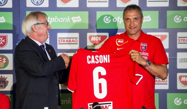 Casoni tout heureux de signer au Videoton | © sportolunk.sk