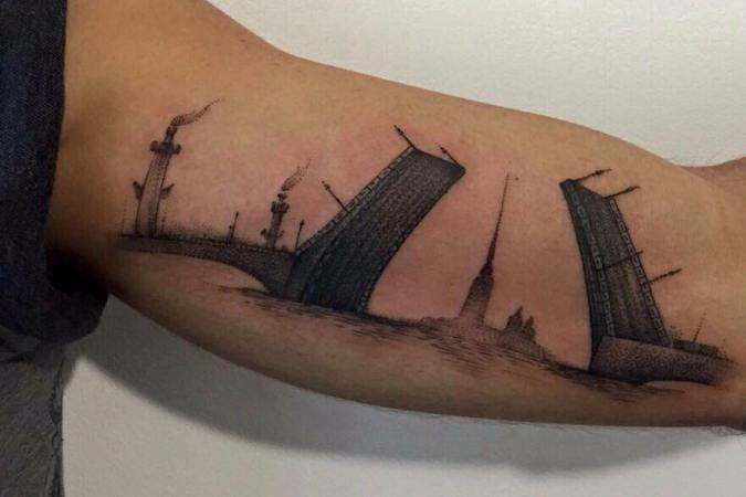 Le tatouage du joueur en l'honneur de sa ville d'adoption. Ⓒ Instagram du joueur.