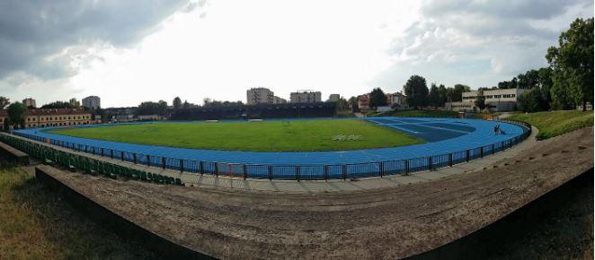 Le stade du Wawel Kraków dont la piste d'athlétisme vient d'être rénovée lors des dernières semaines. | © Kévin Sarlat / Footballski
