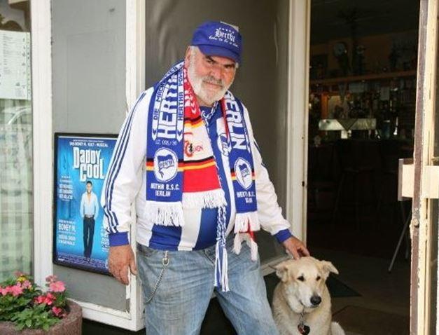 Pepe (avec son chien) en 2009 ((c) Thilo Rückeis/Tagesspiegel)